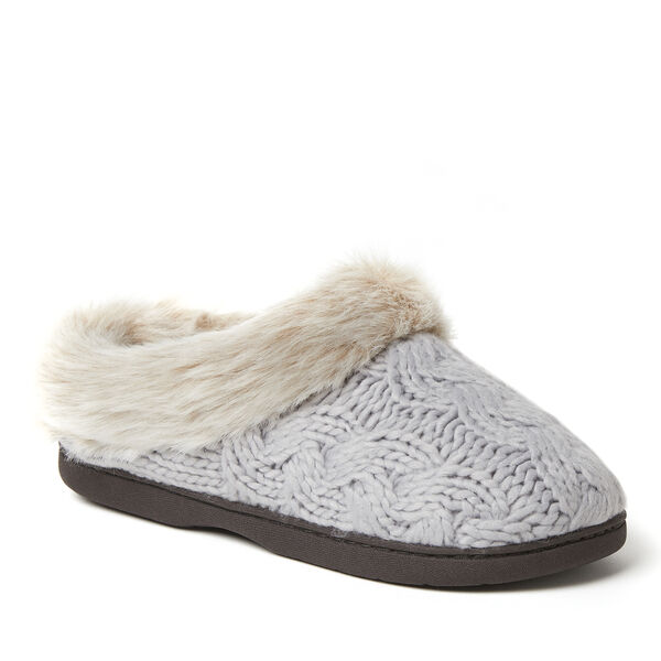 Dearfoams Womens Quilted Cable Knit Bootie Slipper